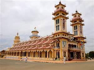 Cao Dai Temple, Tay Ninh, Brendan Park