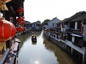 A typical Zhujiajiao canal, credit www.echinaexpat.com